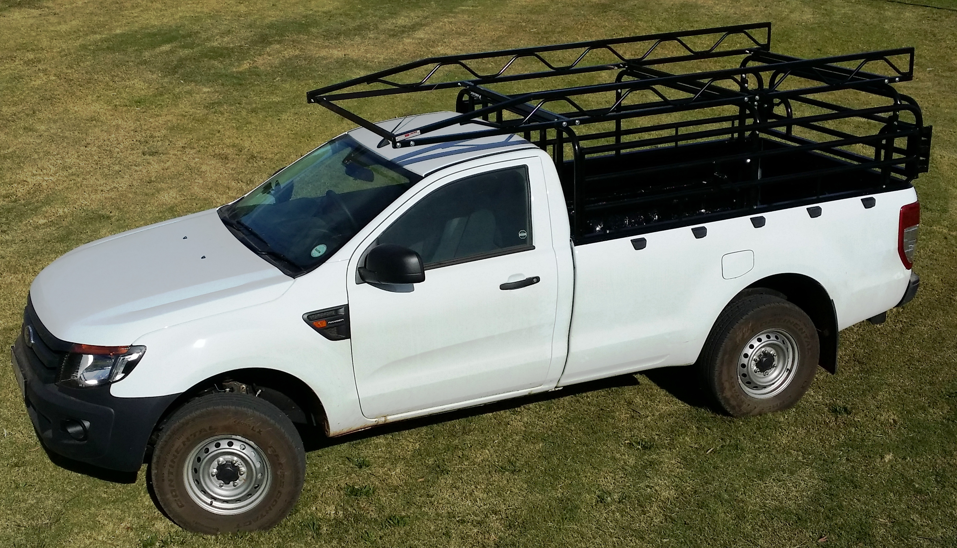 Ford T6 With Bakkie Racks And Cattle Rails
