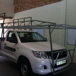 BUMPER TO BUMPER CHEVRON BAKKIE RACK WITH GLASS