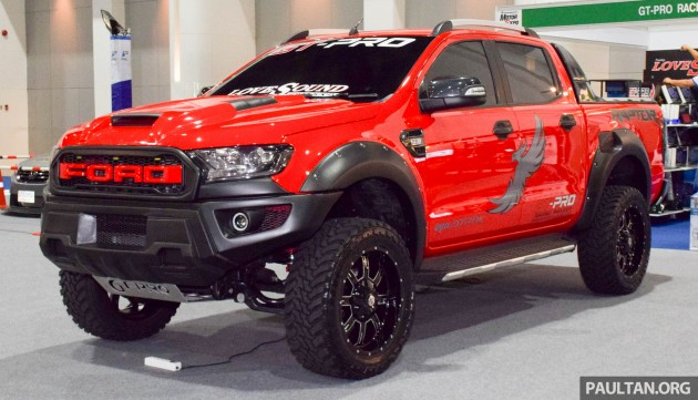 NG-FG1588R 2016+ HONEYCOMB TYPE (RED FORD LOGO) FORD RANGER RAPTOR GRILLS