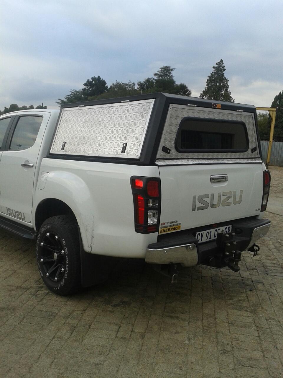 Isuzu Double Cab Aluminium Canopy & Isuzu Double Cab Aluminium Canopy |